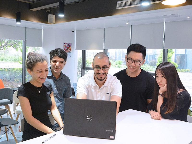 SEM and SEO optimizer team